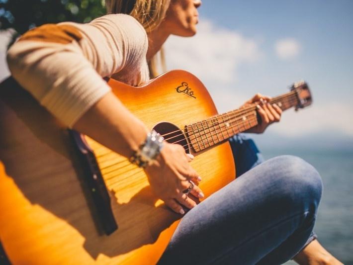 音樂產業20年的進化史:閱聽人的求新、求變、認同需求