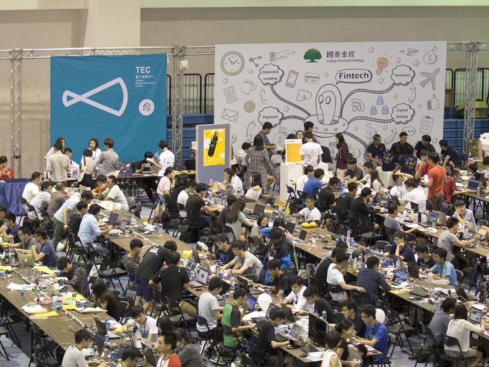 金融業的科技獵才戰》FinTech大衝擊,業者競辦黑客松