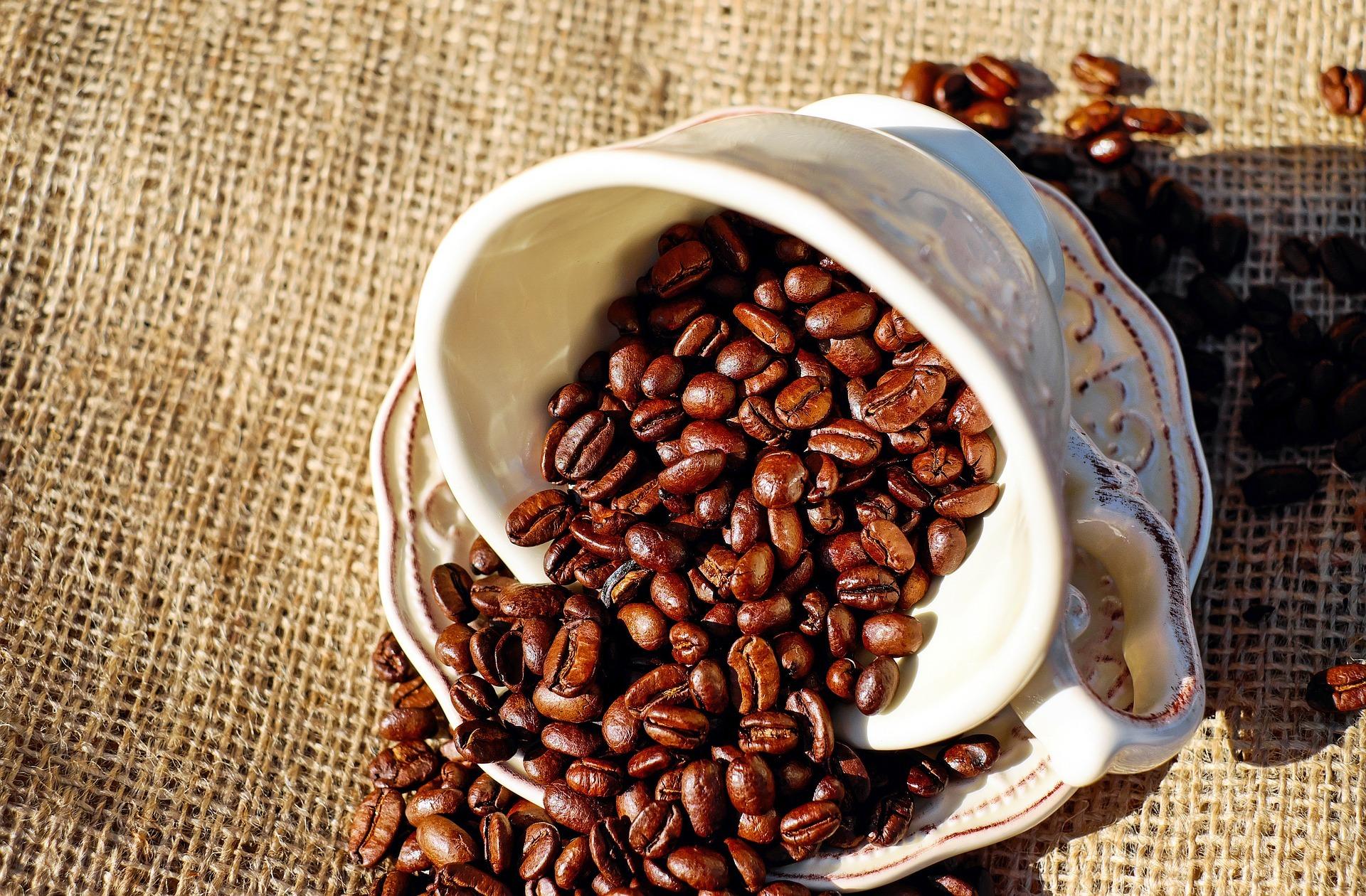 連鎖咖啡店之爭,看瑞幸與星巴克的咖啡零售之戰