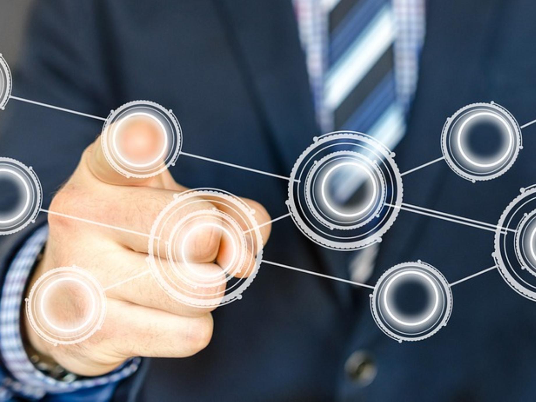 邁向智慧新世代!經濟部促3300個商業服務據點智慧化轉型,帶動6億物流營收