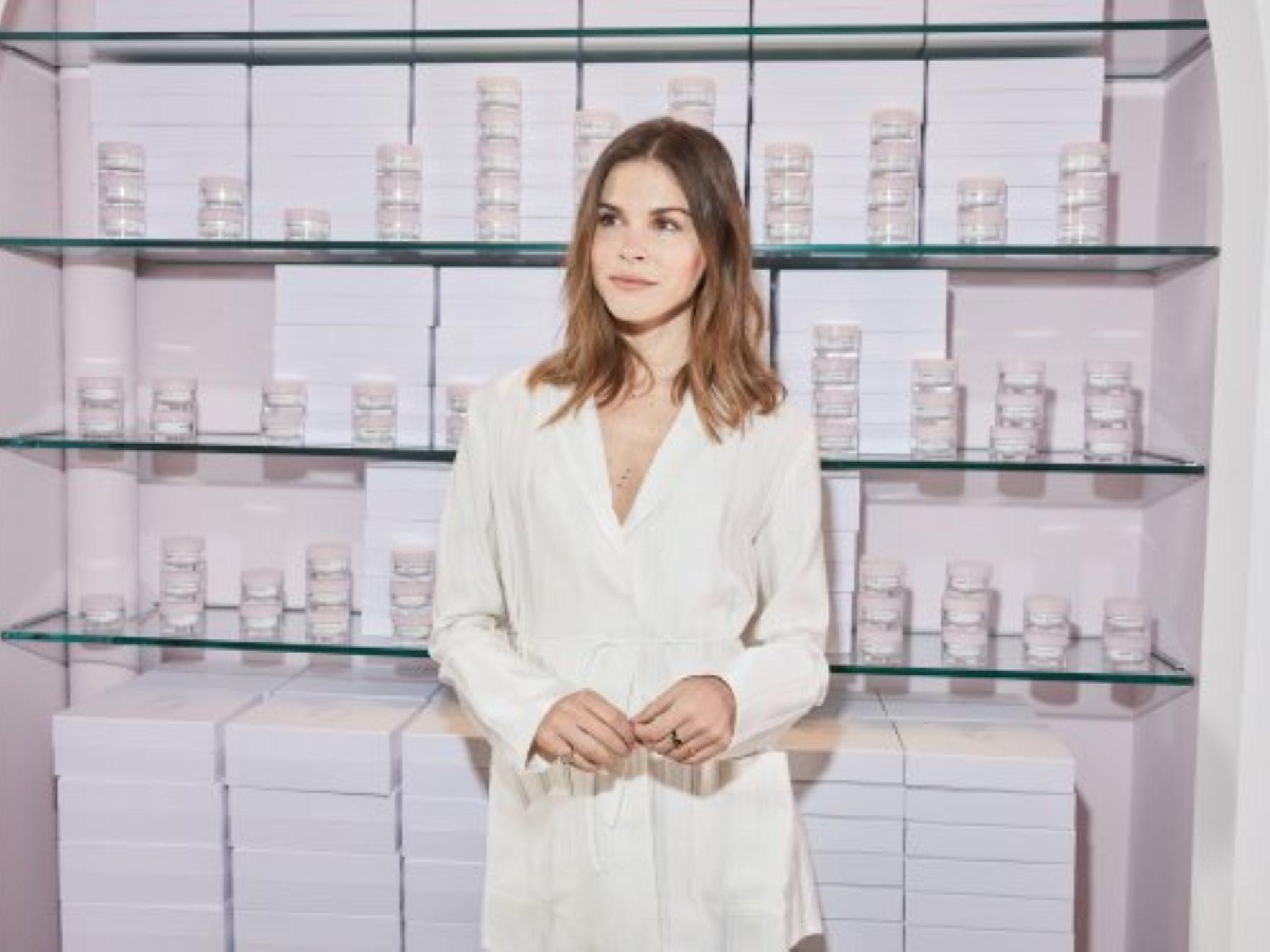 「視覺化」才是銷售王道!美國化妝品新創Glossier用3招提升顧客黏著度,年營收成長600%
