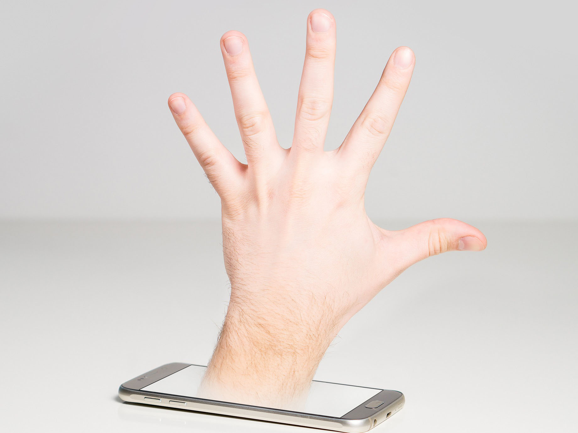 你身旁也有手機重度成癮者?源自芬蘭的專屬「對話坑」,打造眾人互動空間
