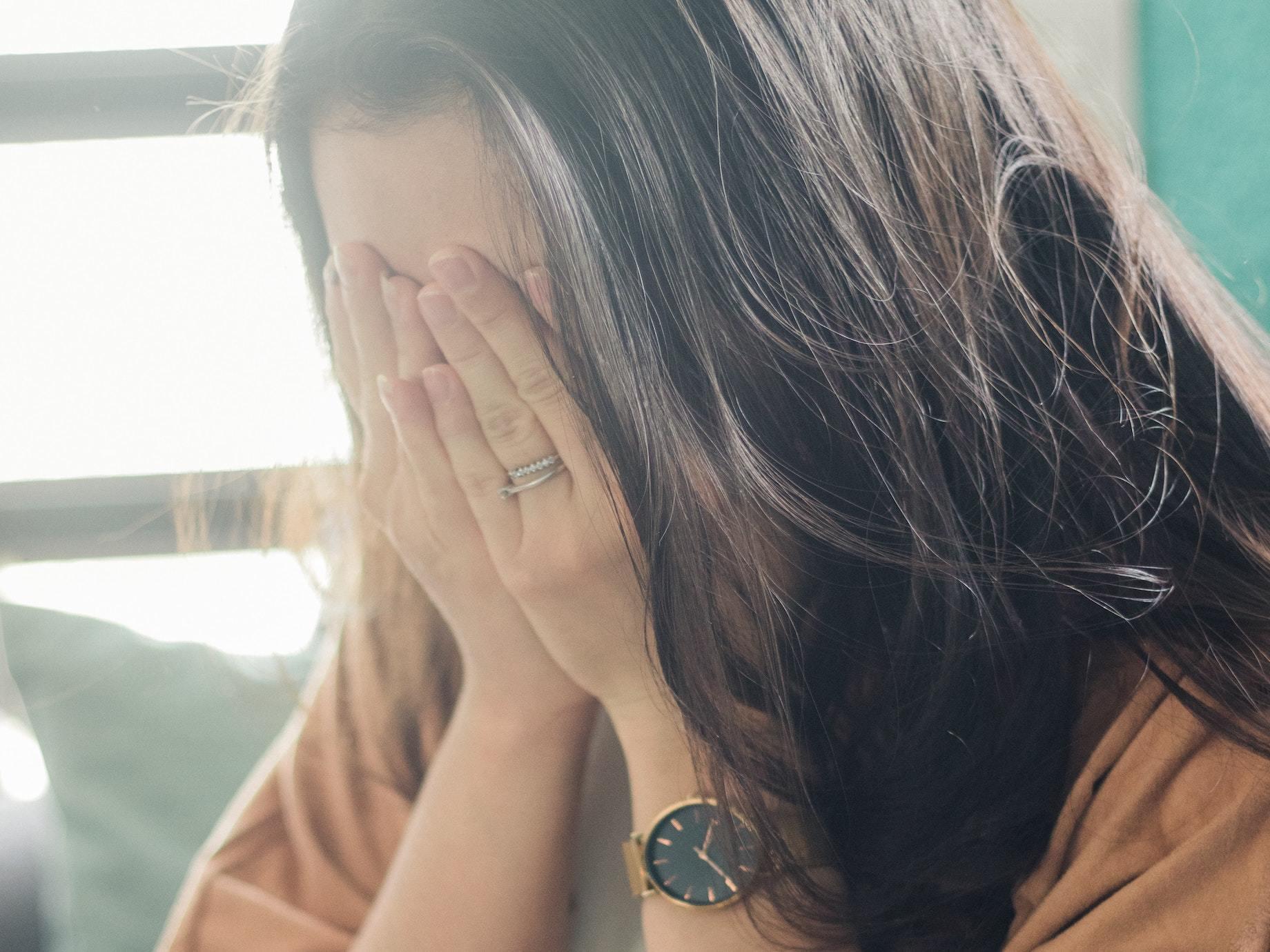 【療心室】該怎麼做才能走出過往傷痛?每天15分鐘,透過「情緒日記」,你也能當自己的心理諮商師