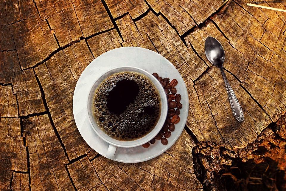 全家、7-11粉專大比拼,靠賣咖啡拉抬按讚數