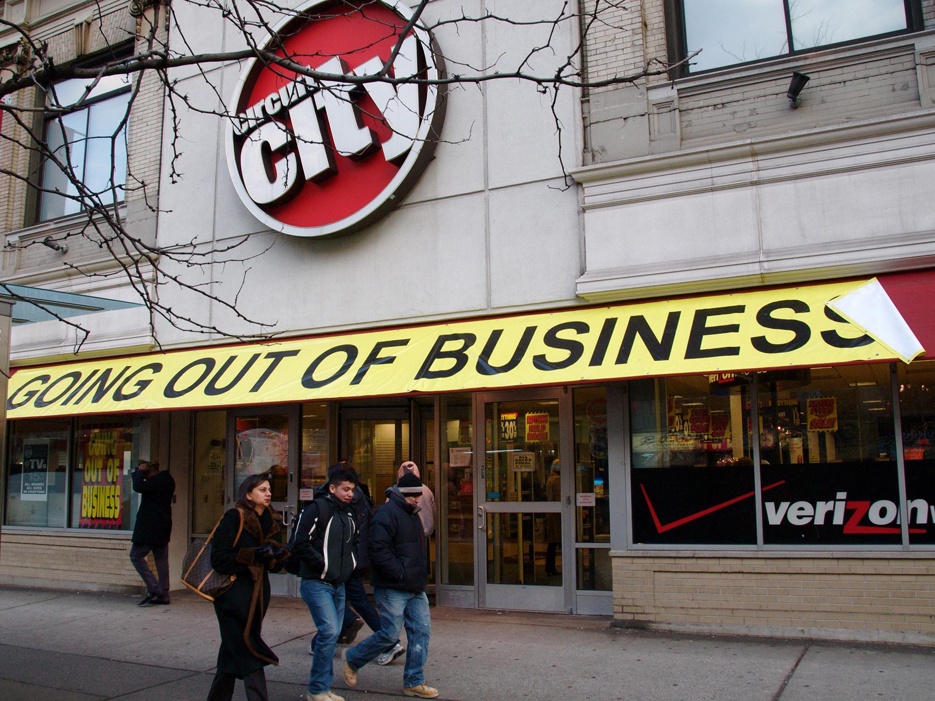 一年關閉8600家門市!3大衝擊來襲,美國零售業崩盤