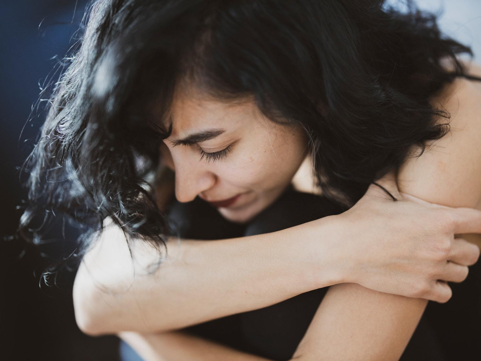 「孤獨力=與痛苦共存的能力」3個心理學概念培育你的階段需求,帶你走過人生低谷