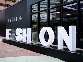 阿里巴巴、GUESS聯手出擊推概念店,用AI幫客戶量身搭配衣服