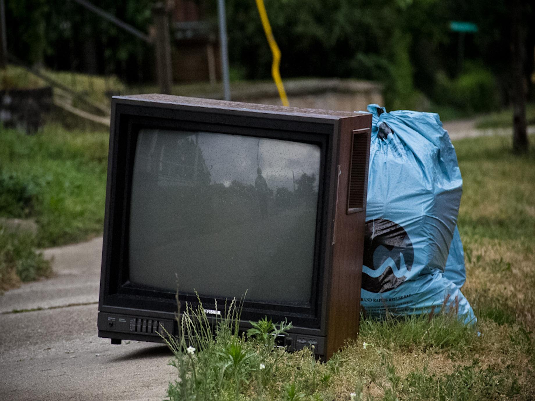 大螢幕、小螢幕與客廳 — 談互動電視的衰亡
