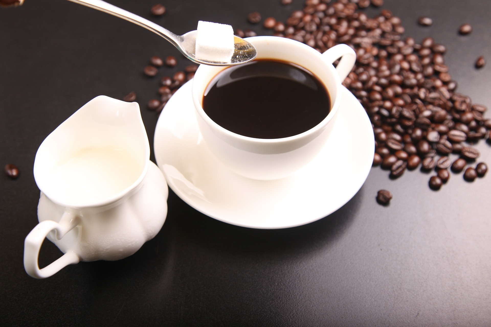虧損近40億台幣,中國「咖啡獨角獸」真能打敗星巴克?