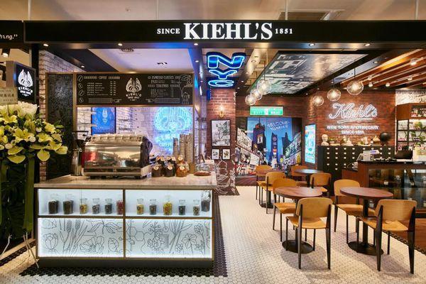 Benz、Chanel也開咖啡廳?奢侈品牌新玩法,走入消費者生活體驗