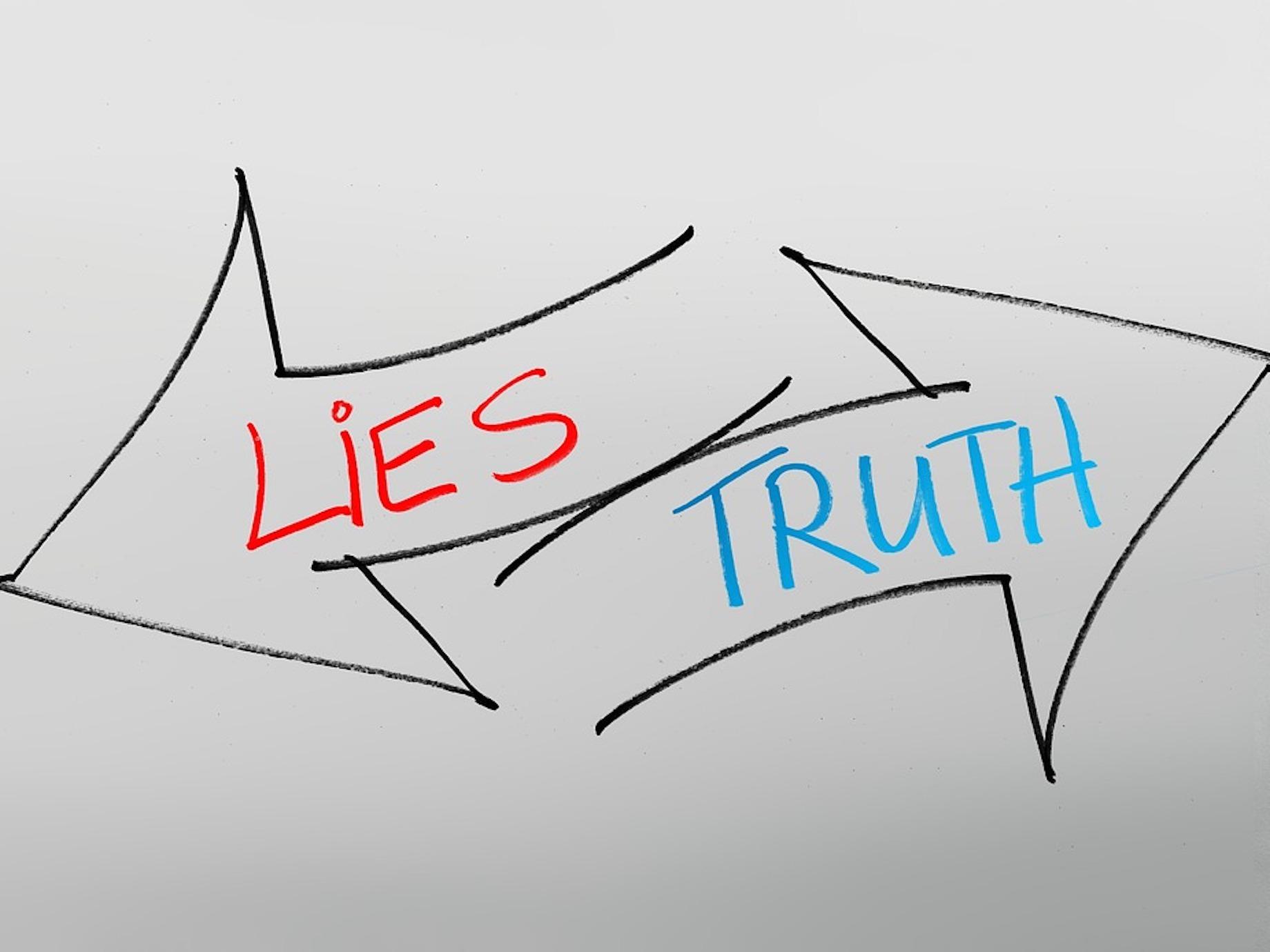 資訊爆炸、真相被操弄!我們該如何從大量資訊中,分辨何為謊言與真相?