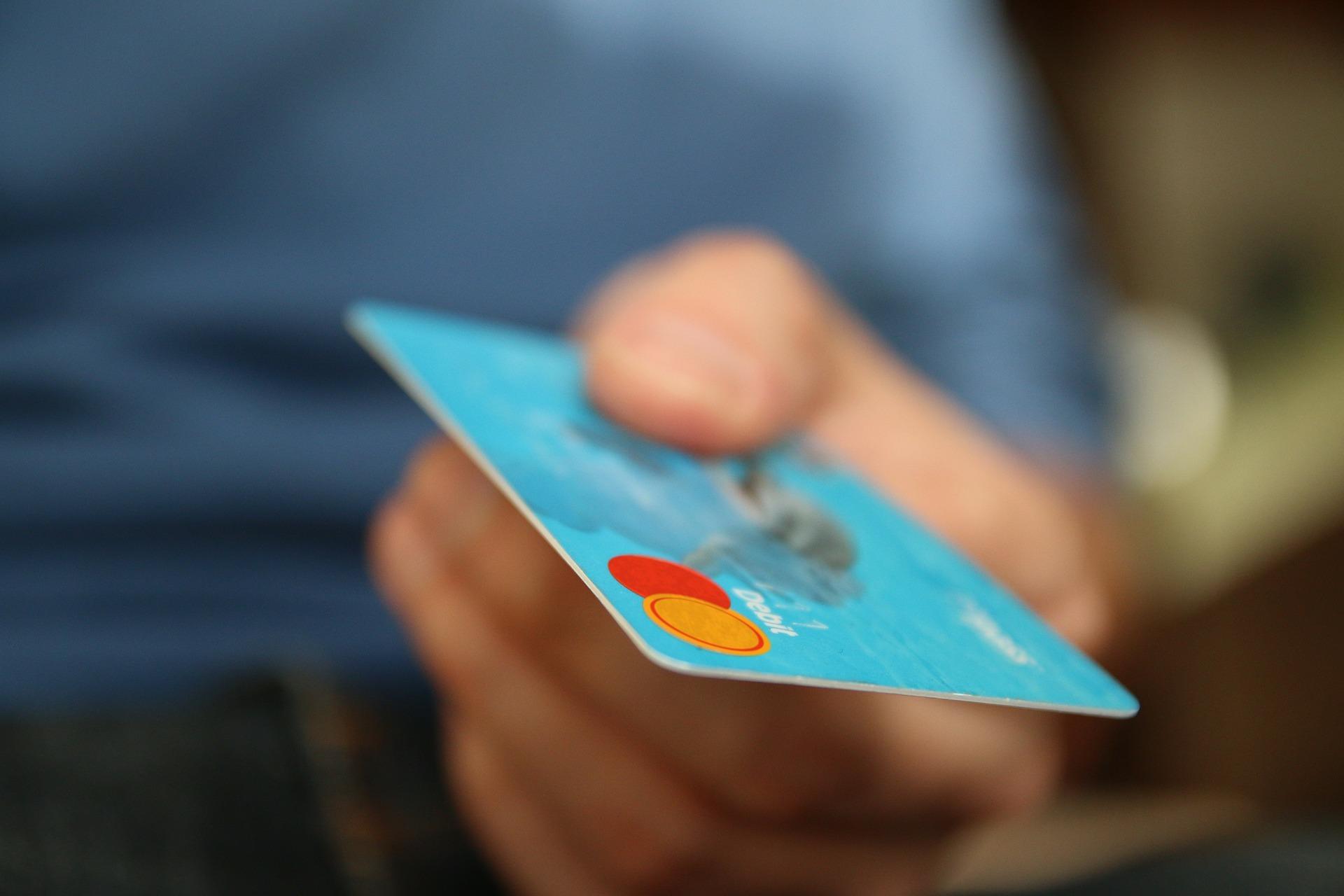 PChome攜手合作玉山銀行,挑戰LINE點數霸主地位