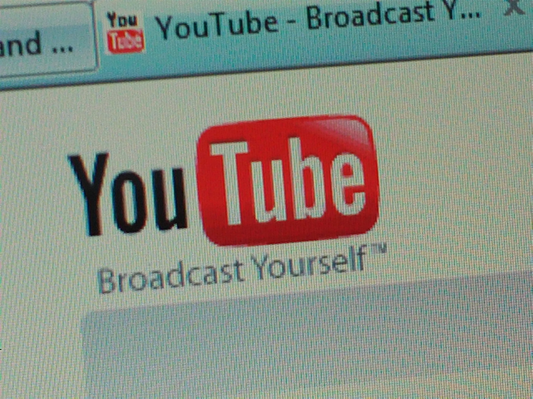 挽回廣告商的心,YouTube斥資上億美元做自製節目