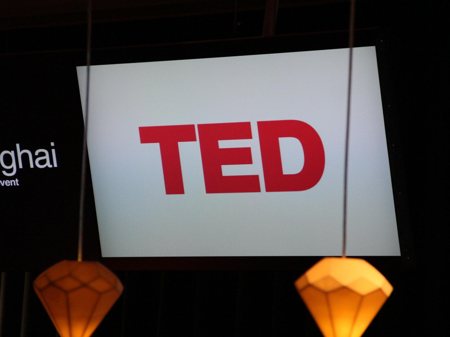 TED演講成功的「魔術方程式」!如何用3分鐘的短故事說服群眾?