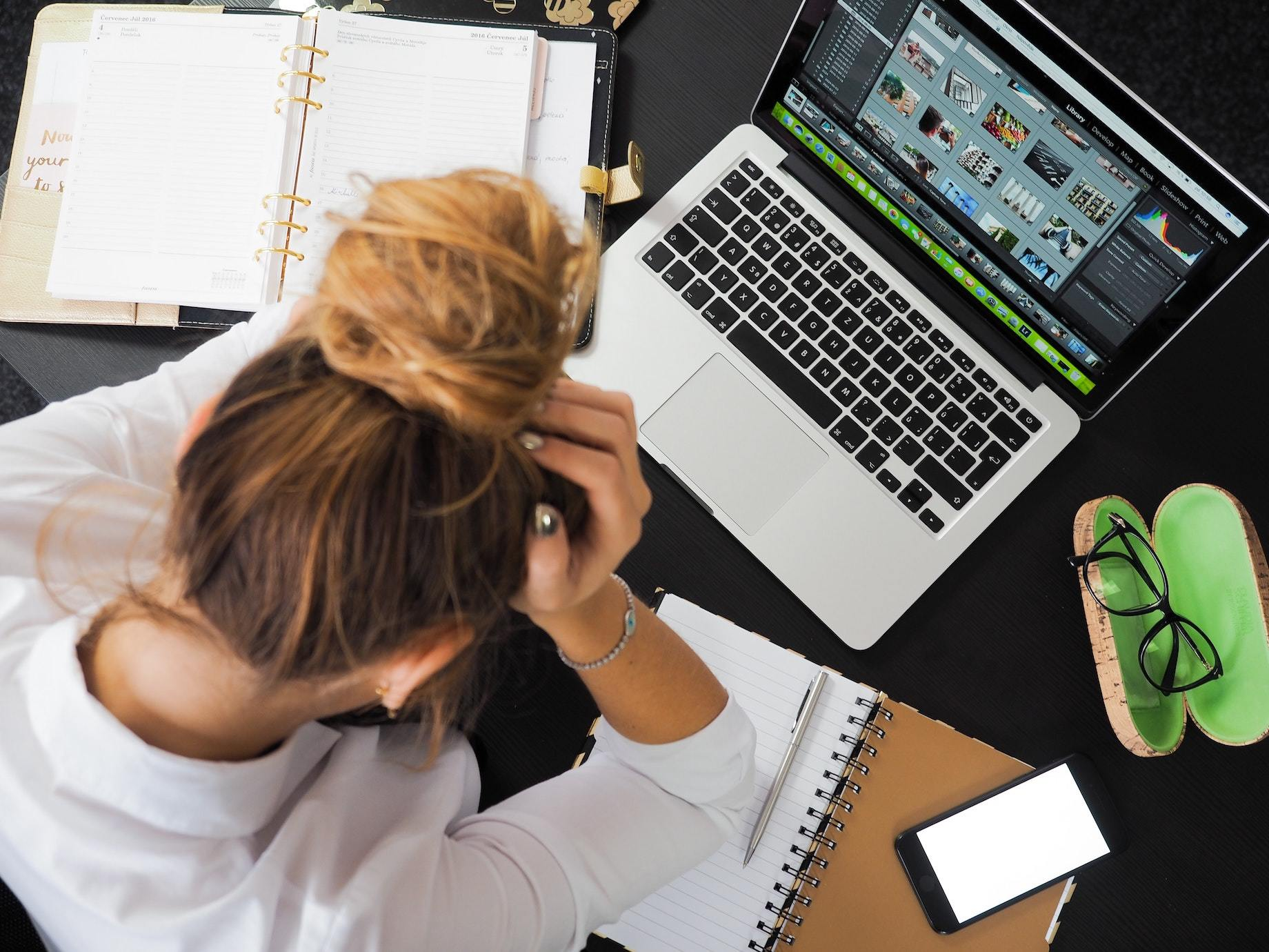工作好痛苦,是不是該離職了?7招職場心理痛點測驗,理性檢視工作去留,別讓情緒替你「背書」!