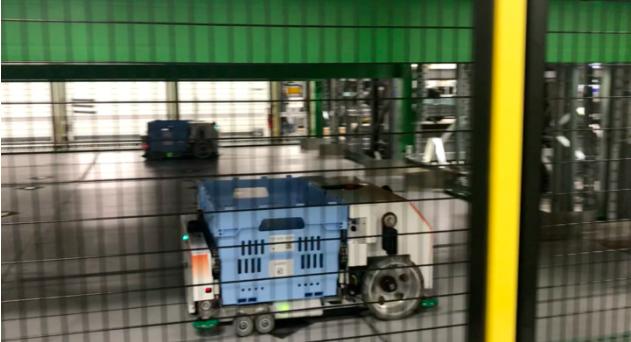沃爾瑪再出新招!用自動化機器人 Alphabot 來幫顧客揀貨