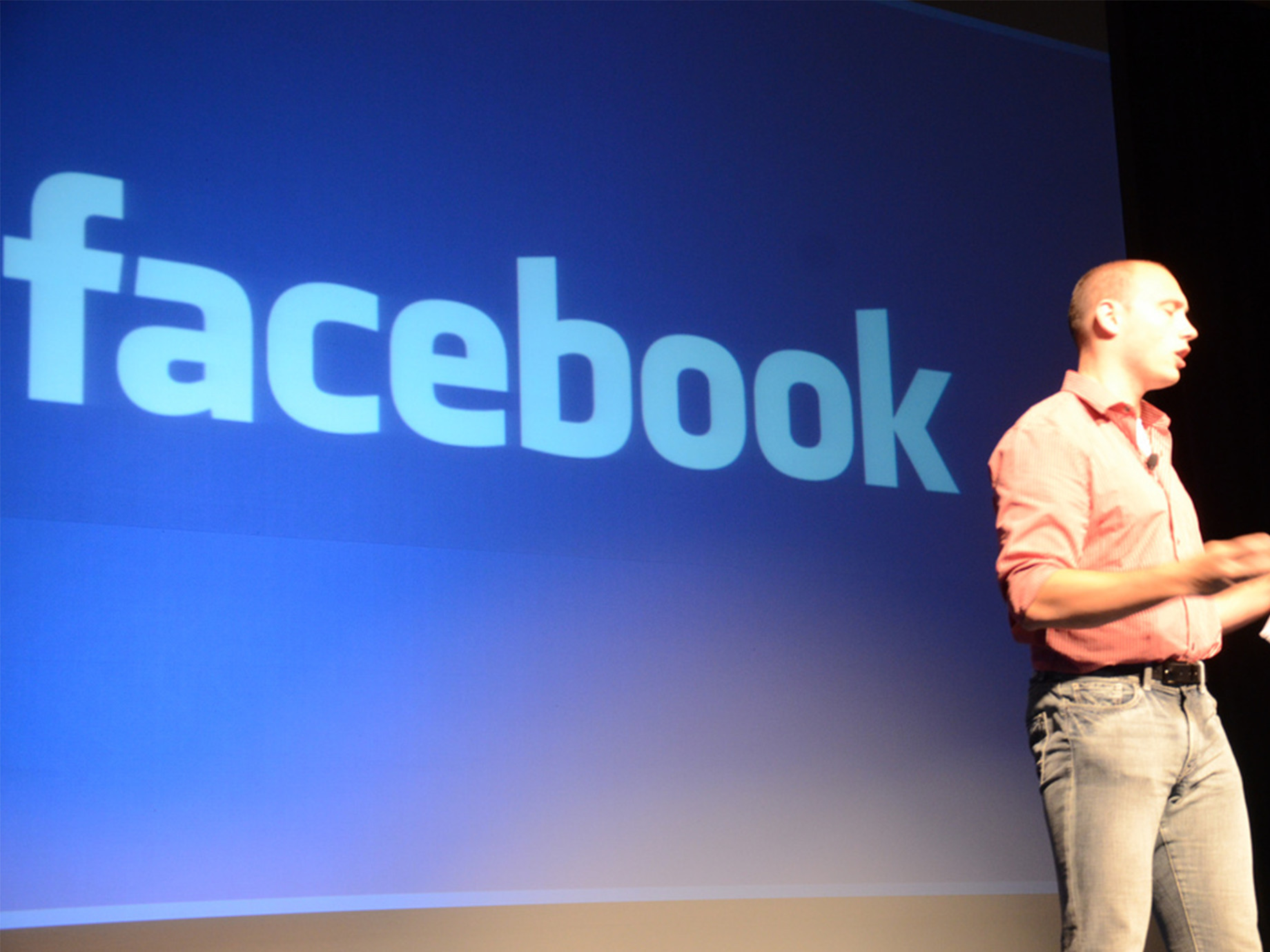 臉書新增檢舉假新聞功能,「有爭議」標籤演算法將被削弱