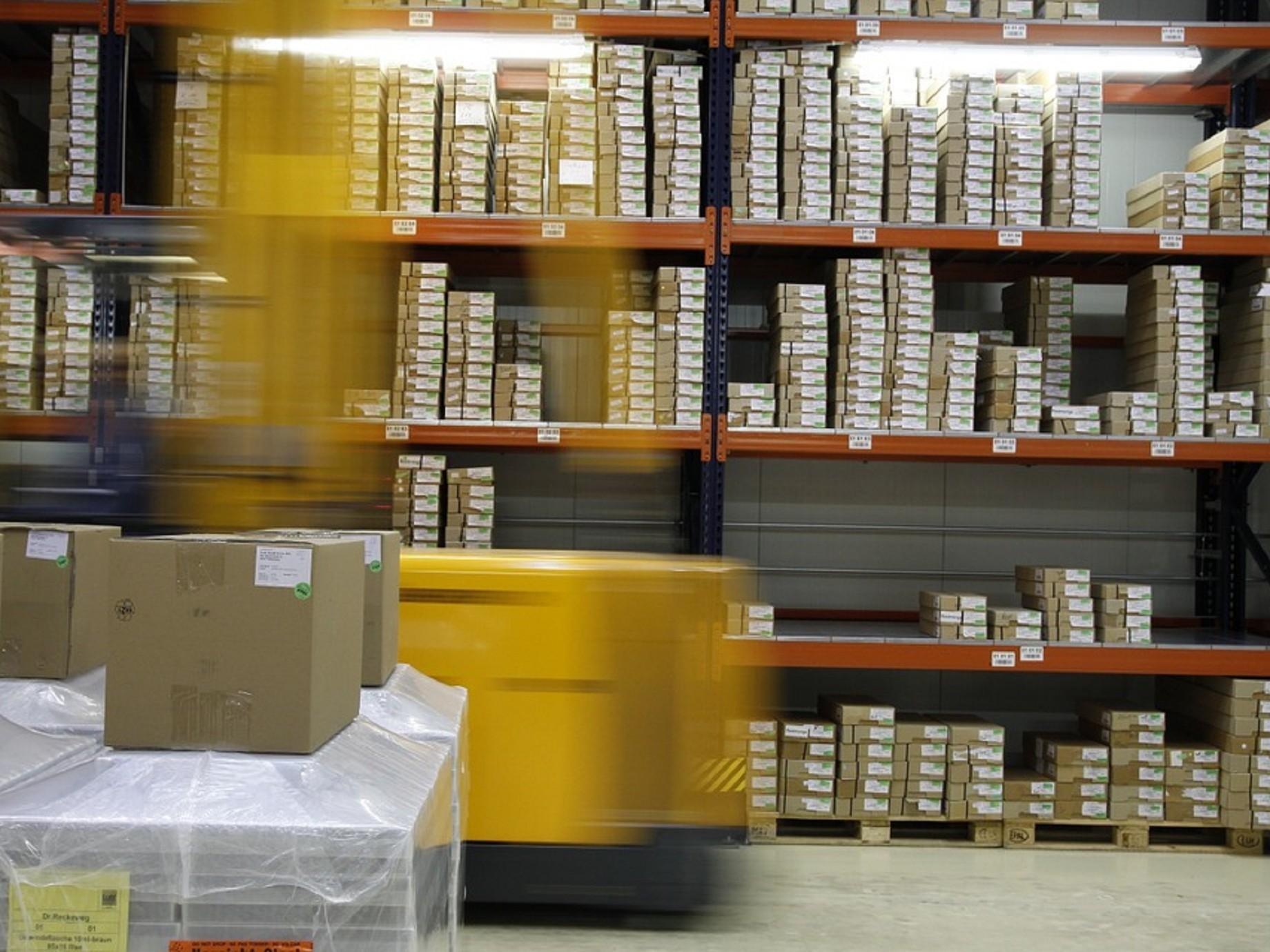 電商邁入成熟期,重視自建倉儲物流維繫業績成長