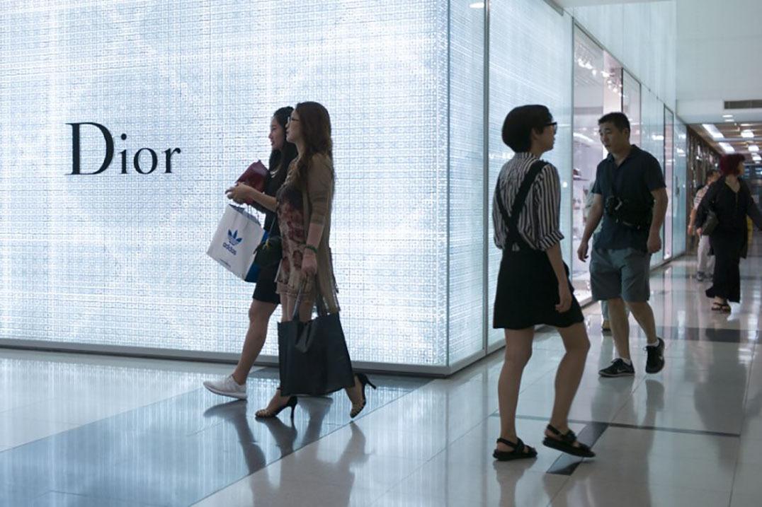 時尚電商告訴中國消費者:買得起,還要學會穿