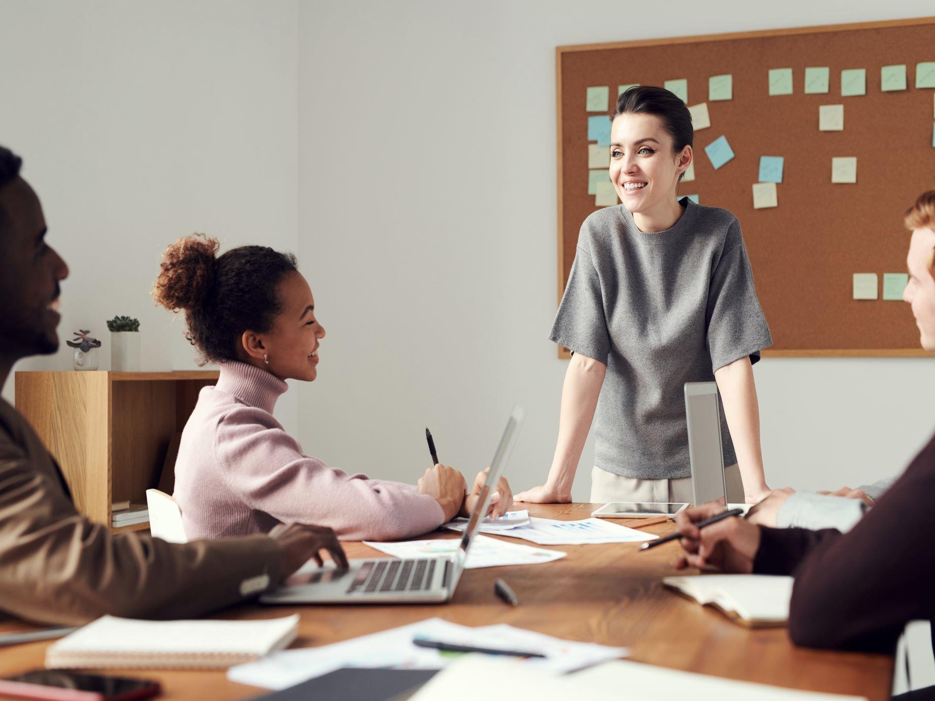 如何成為「好」的領導人?掌握優秀領導者必扮演的3種角色,用你的領導風格,激發團隊無限潛力