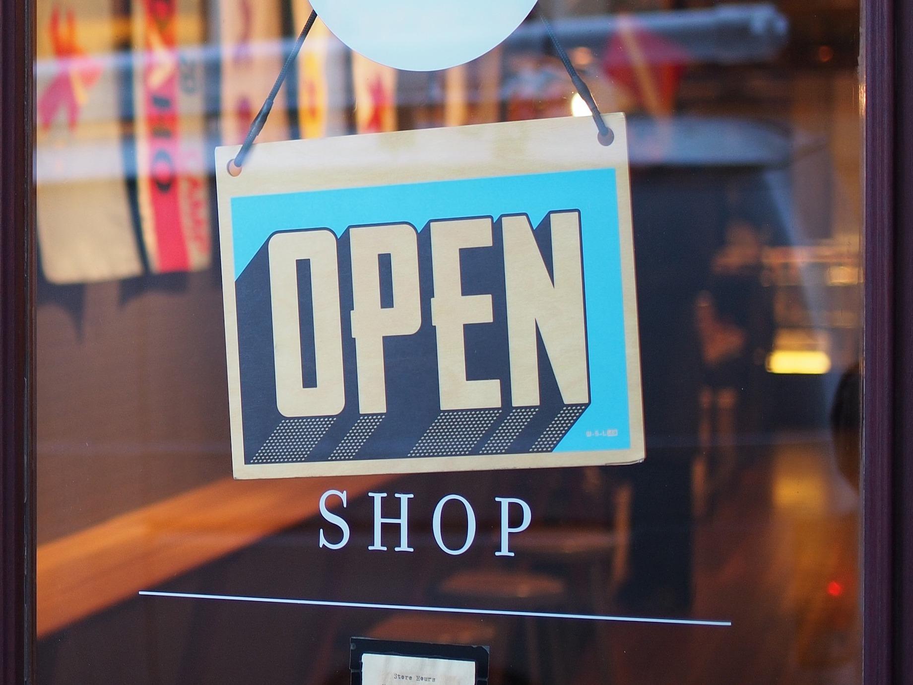 商店體驗影響顧客決策,店內瀏覽仍是探索新產品的首選