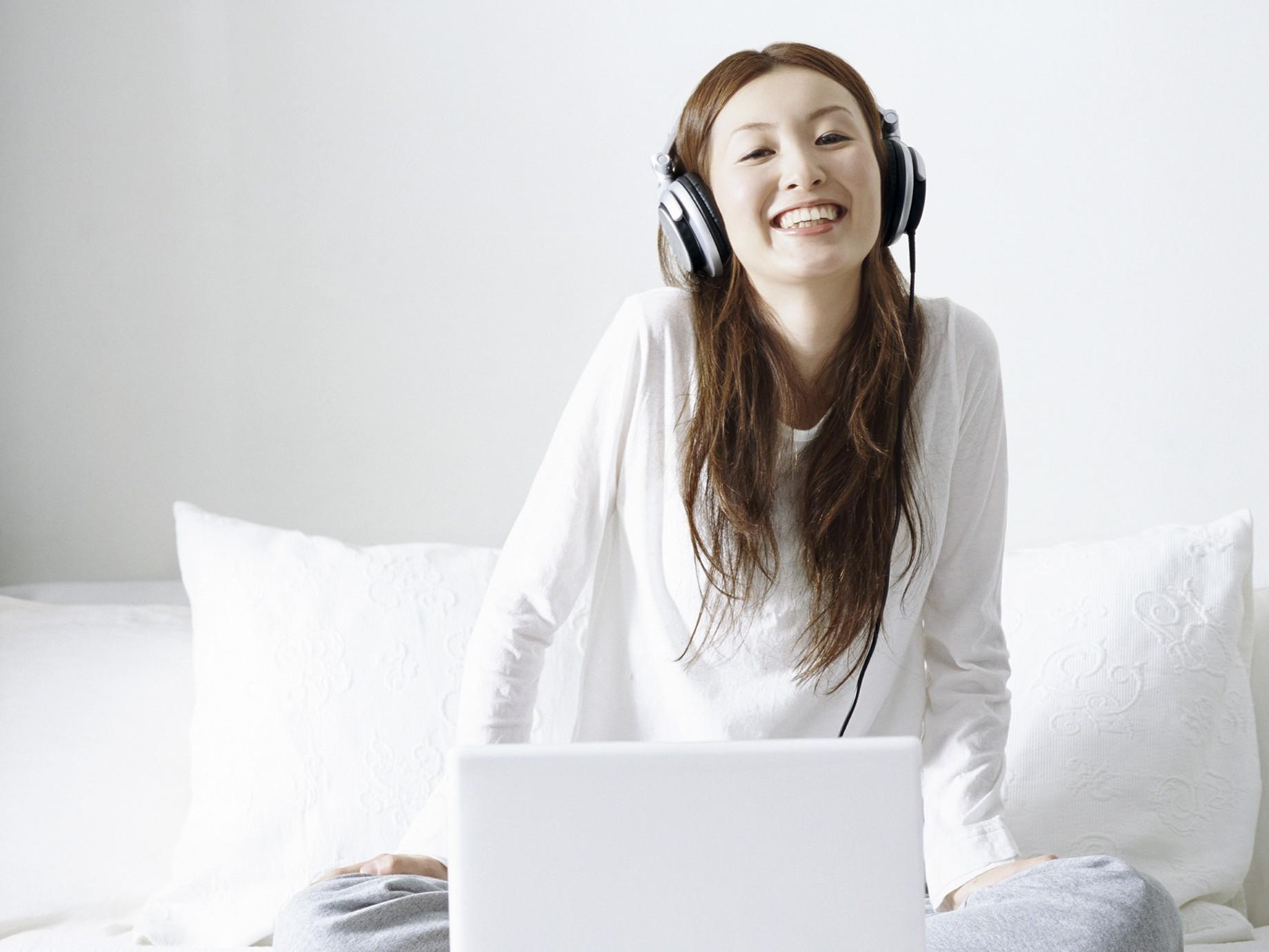 〈2015年9月〉台灣網路消費者對「耳機/耳麥」購買行為與通路品牌分析-EAGLEEYE鷹眼數據