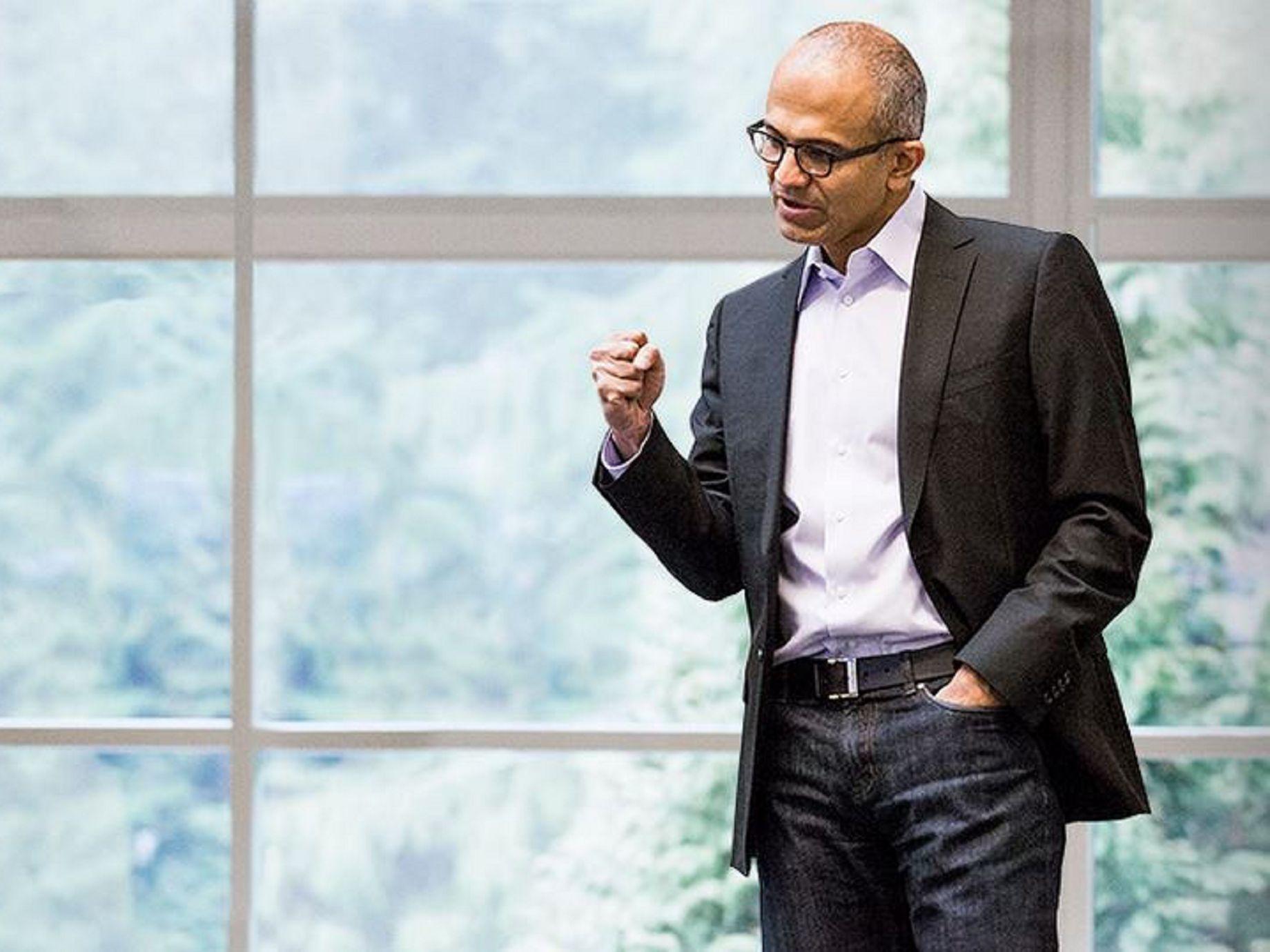 微軟CEO納德拉,帶領微軟的寧靜改革:雲端、硬體、AI
