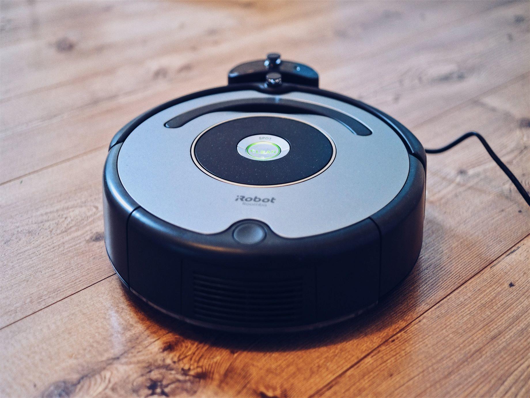 熱門掃地機器人來PK! 從大數據看小米、石頭、iRobot旗下明星商品誰佔上風?